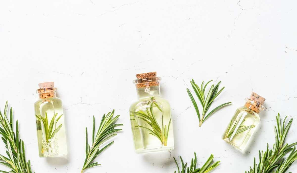5 Best Essential Oils For Bruising And Swelling